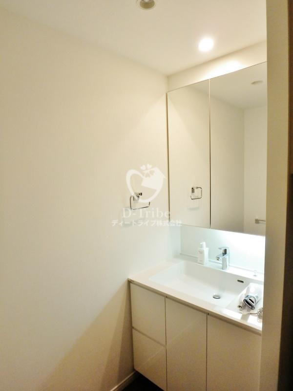ラ・トゥール新宿ガーデン[2920号室]の独立洗面台 ラ・トゥール新宿ガーデン