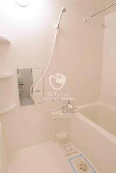 セゾン・デ・ブランシェ青葉台[401号室]の浴室 セゾン・デ・ブランシェ青葉台