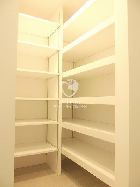 グローブナープレイス池田山003号室の内装