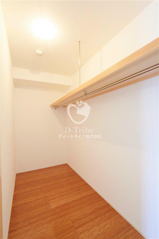 月光町アパートメント305号室の内装