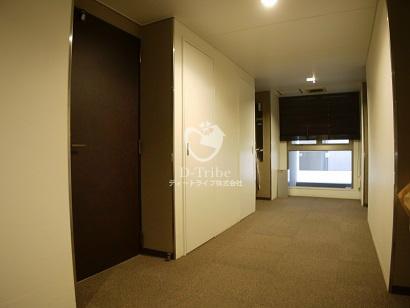 内廊下 白金台アパートメント