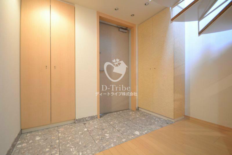 エスティメゾン白金台[203号室]の玄関 エスティメゾン白金台