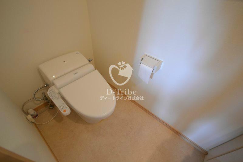 エスティメゾン白金台[203号室]のトイレ エスティメゾン白金台