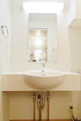 エルスタンザ白金[302号室]の独立洗面台 KDXレジデンス白金3