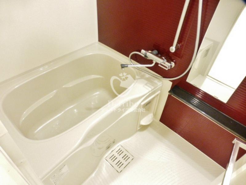 アローズ南麻布[1002号室]の浴室 アローズ南麻布