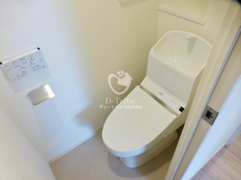 アローズ南麻布[1002号室]のトイレ アローズ南麻布