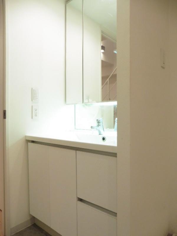 レジデンス白金コローレ[114号室]の独立洗面台 レジデンス白金コローレ