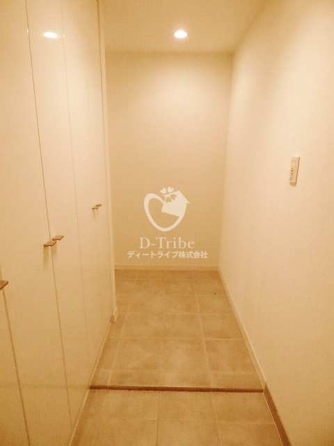 ルフォンプログレ南麻布[207号室]の玄関 ルフォンプログレ南麻布