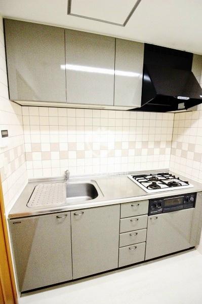 元麻布フォレストプラザ2[201号室]のキッチン 元麻布フォレストプラザ2