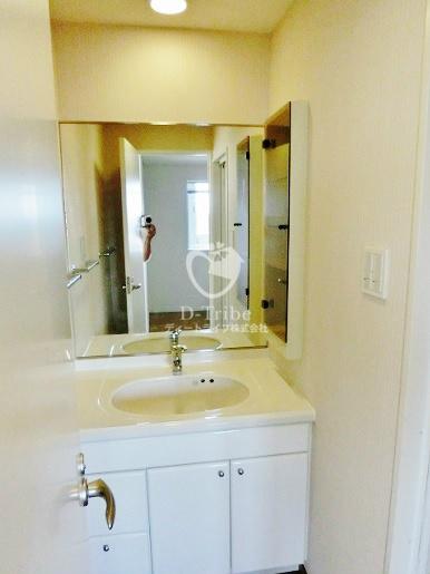レジディアタワー麻布十番[1305号室]の独立洗面台 レジディアタワー麻布十番
