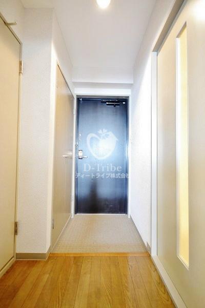 フォレストコート[201号室]の玄関 フォレストコート