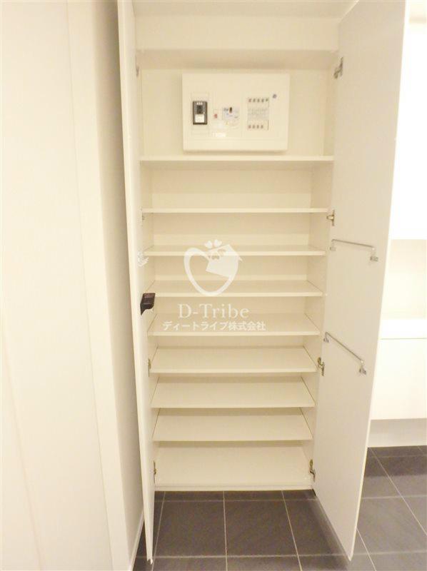 KDXレジデンス恵比寿[505号室]のシューズBOX エルスタンザ恵比寿南