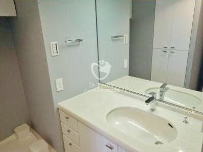 パーク・アヴェニュー神南[907号室]の独立洗面台 パーク・アヴェニュー神南