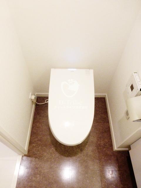 アルティスコート南青山[801号室]のトイレ アルティスコート南青山