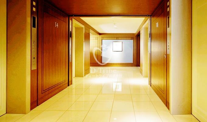 エレベーターホール ザ・パーク・レジデンシィズ・アット・ザ・リッツ・カールトン東京