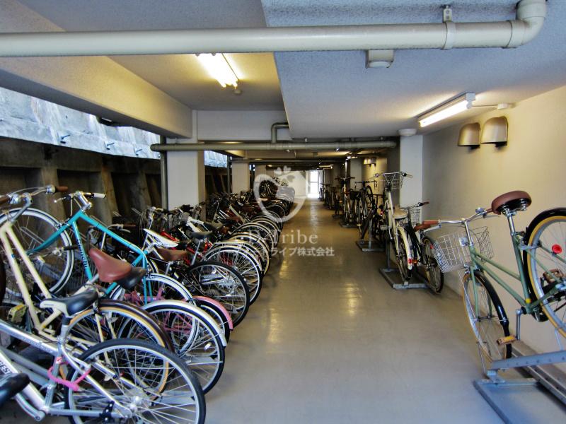 駐輪場 レキシントンスクエア白金高輪