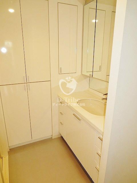 レキシントンスクエア白金高輪[2201号室]の独立洗面台 レキシントンスクエア白金高輪