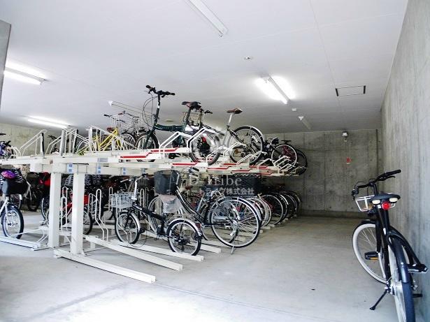 駐輪場 コンフォリア田町
