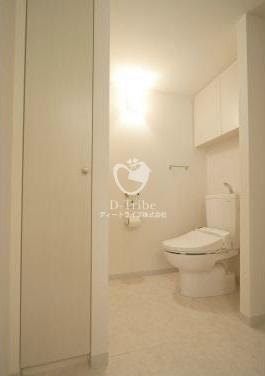 White Tower Hamamatsucho(ホワイトタワー浜松町)[1003号室]のトイレイメージ White Tower Hamamatsucho(ホワイトタワー浜松町)