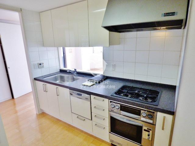 アパートメンツ東山[211号室]のキッチン アパートメンツ東山