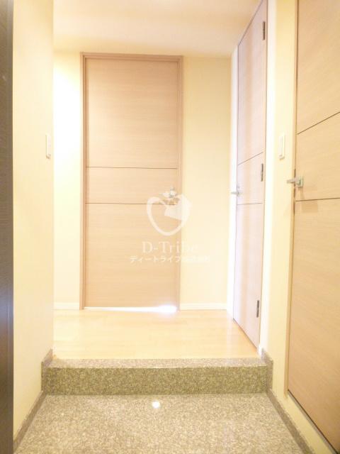 パークキューブ愛宕山タワー[1703号室]の玄関 パークキューブ愛宕山タワー