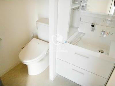 REGZE白金高輪(レグゼ白金高輪)[1004号室]の独立洗面台 REGZE白金高輪