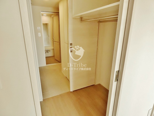 パークハビオ恵比寿[1108号室]のウォークインクローゼット パークハビオ恵比寿