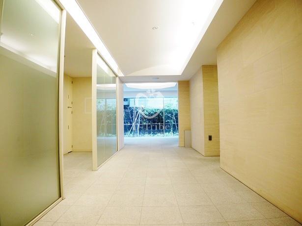 アパートメンツタワー六本木1203号室の画像